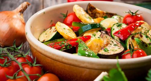 Alimentazione salutista per l'estate: i 6 migliori cibi rinfrescanti